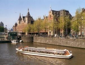 Дюссельдорф Амстердам как добраться :а не отправиться ли из Дюссельдорфа в Амстердам?!