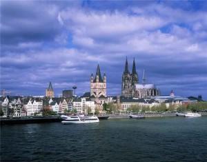 Расстояние от Дюссельдорфа до Кельна: отправляемся в поездку по Германии
