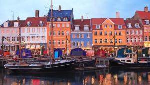 Дания флаг и герб :немного об удивительной скандинавской стране