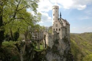 Лихтенштейн особенности : чем княжество притягивает туристов и бизнесменов?!