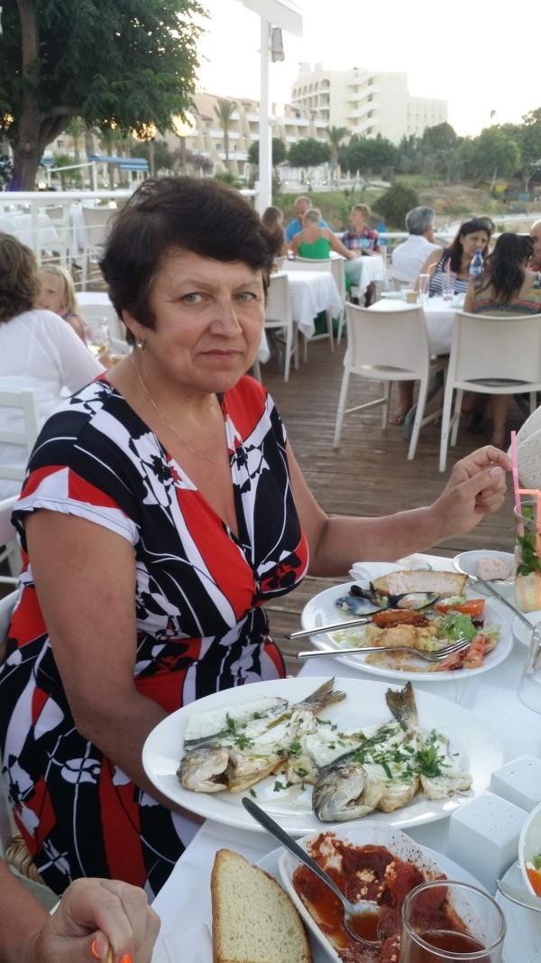 Рыбное мезе на Кипре фото