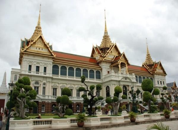 Королевский дворец в Бангкоке фото