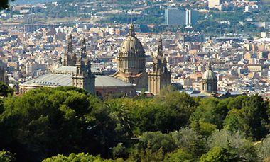 Гора Монжуик Барселона фото