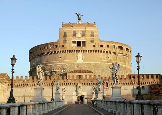 Замок Святого ангела в Риме фото