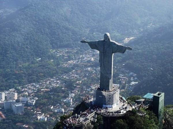 статуя иисуса в рио де жанейро фото