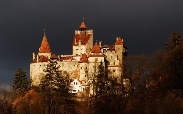 Замок Дракулы в Румынии фото
