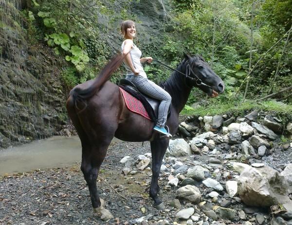 Конные прогулки гора Ахун