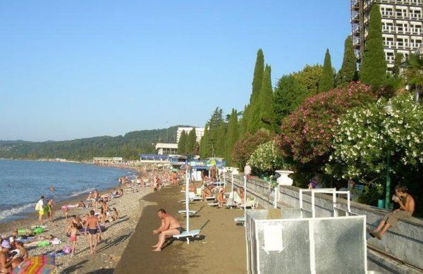 Пляжи санаториев РВСН и МВО в Сухуми
