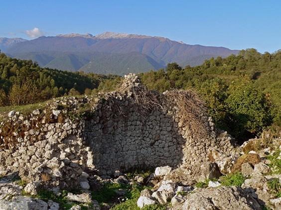 Посёлок Абгархук и исторические крепости