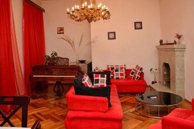 Lowell Hotel в Тбилиси
