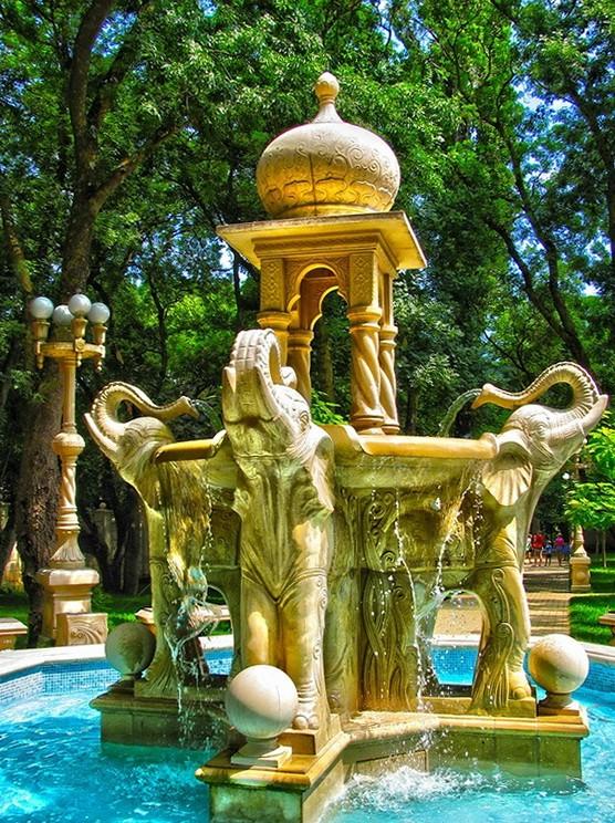 Индийский фонтан Кабардинка