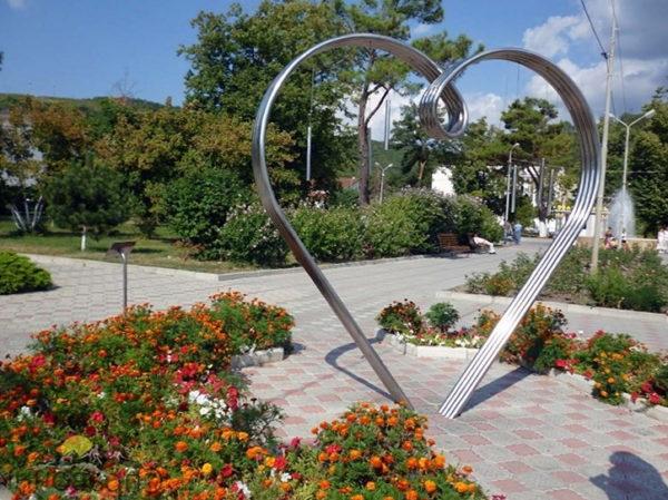 Аллея роз в Анапе