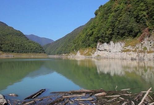 Озеро Амткел (Сухум)