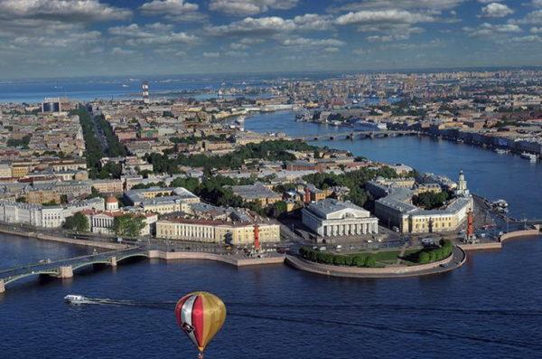 Полёт на вертолёте над Санкт-Петербургом