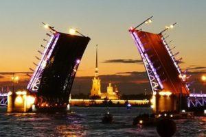 Откуда лучше смотреть развод мостов в Санкт-Петербурге