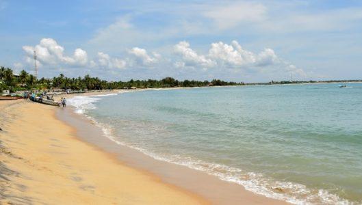 Где в ноябре можно купаться и загорать за границей